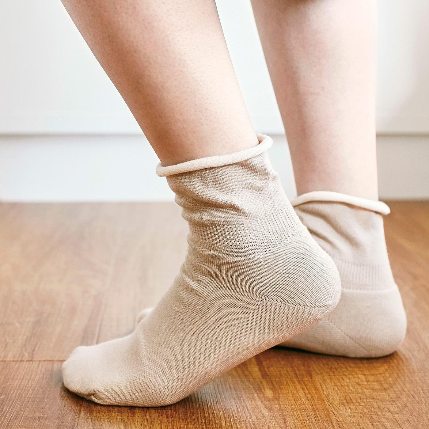 チャレンジド・クリエイティブ・プロジェクト シルク真綿でふんわりあったか まわたんぽ(R)靴下の会