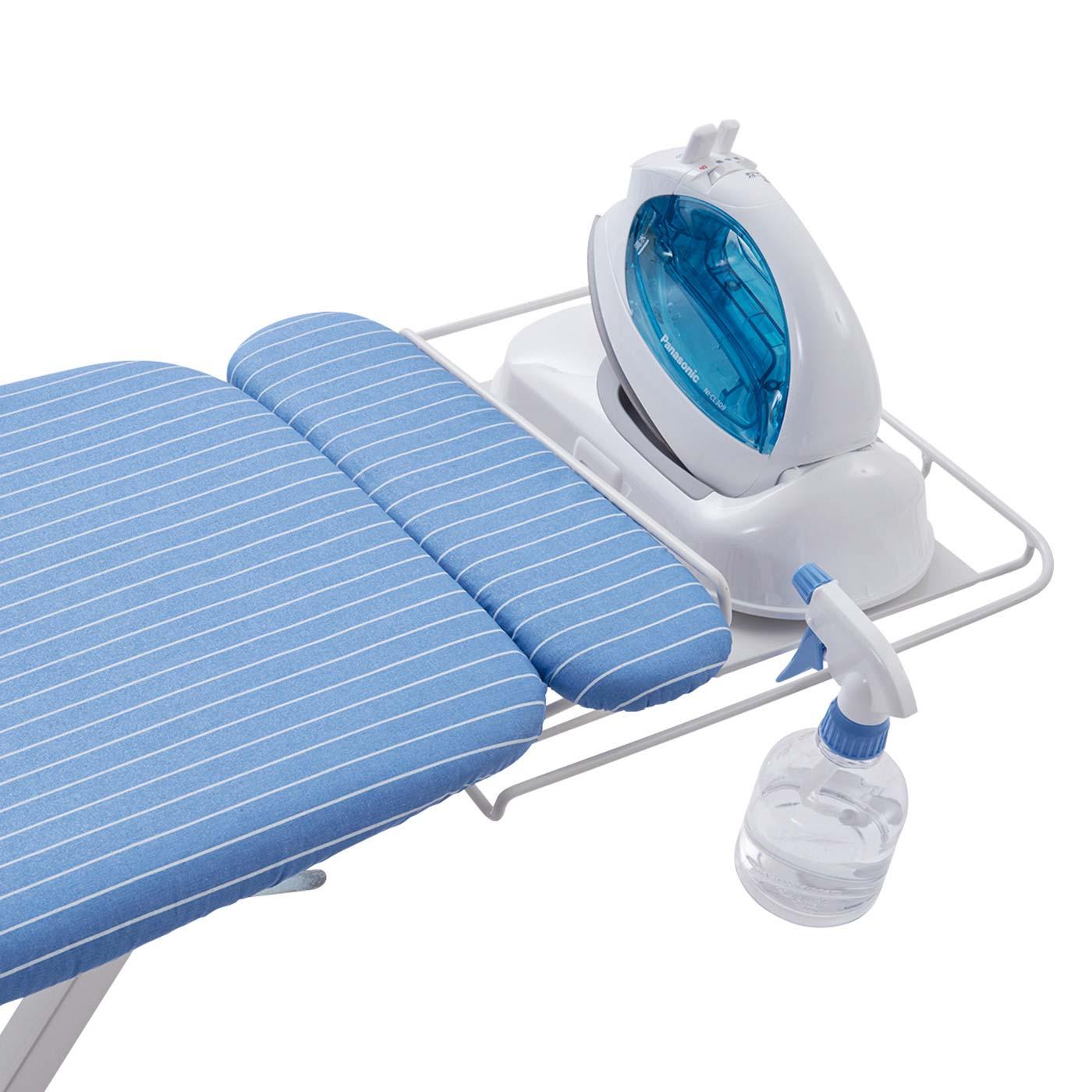 スライド式アイロン置き。耐熱シリコーンのクッション付きでアイロンをそのまま置けます。