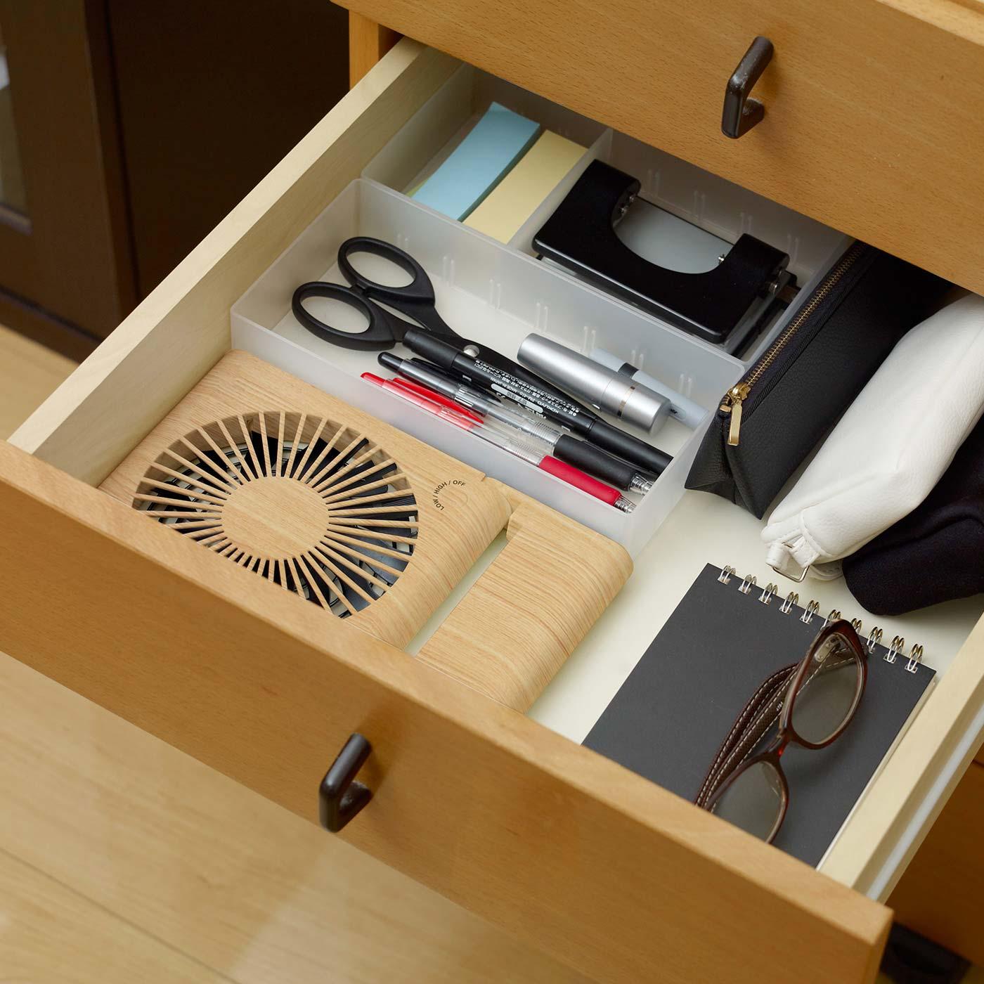 本棚や引き出しにコンパクトに収納できます。