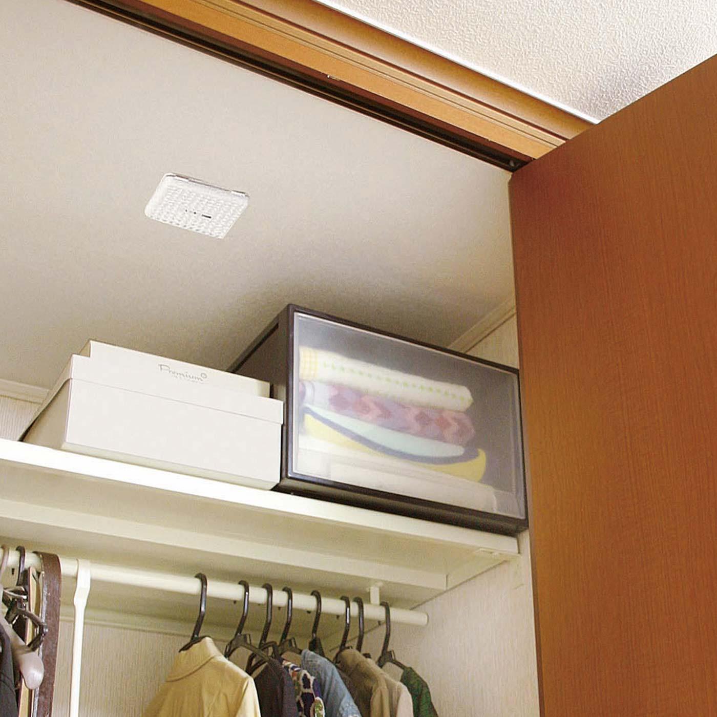 押し入れやクローゼットのカビ・におい対策で衣類や布団類の保管上手に。