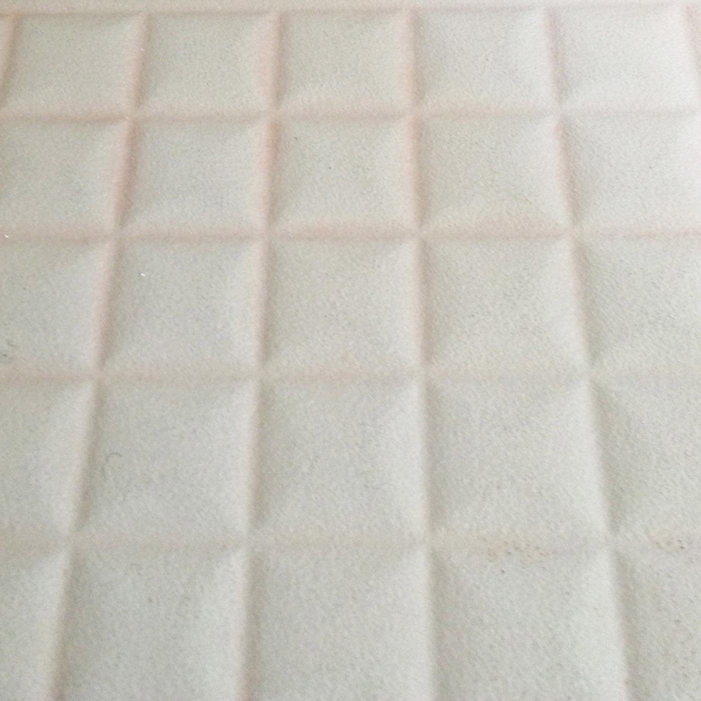 【浴室のタイル目地に】目地にうっすらピンク汚れを見つけたら……