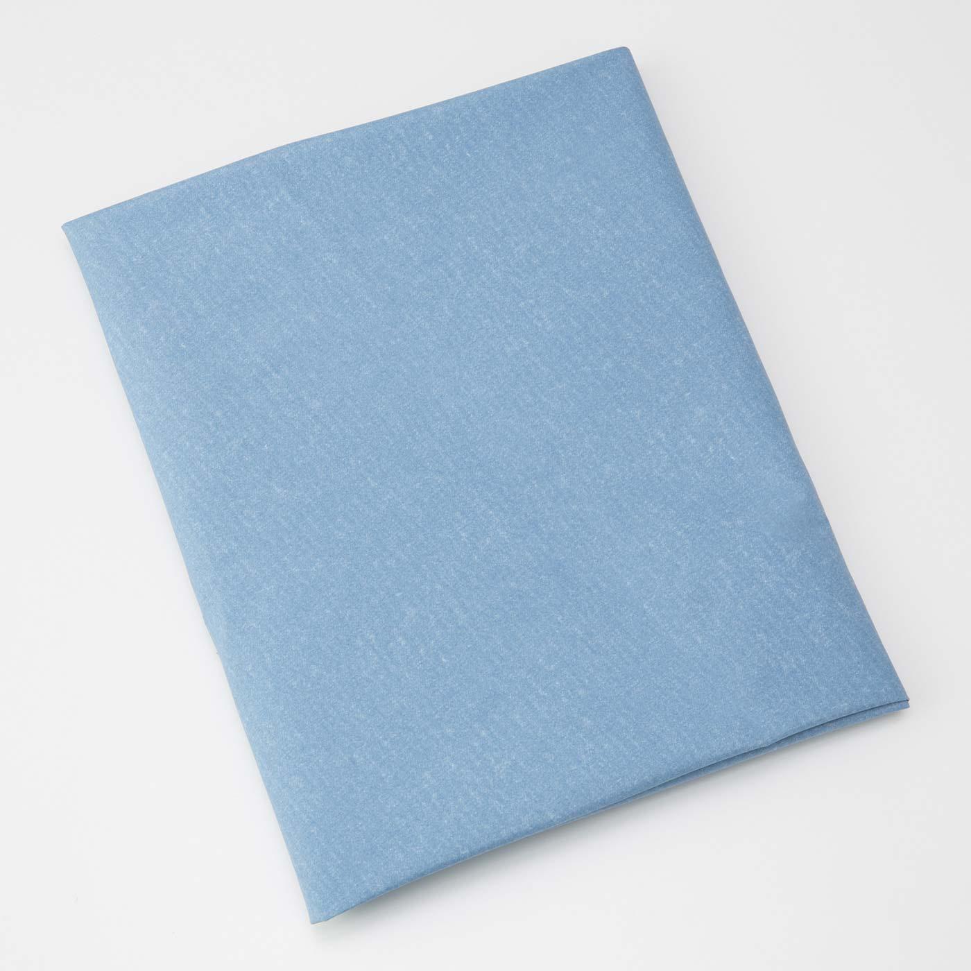 書類を風呂敷包み。