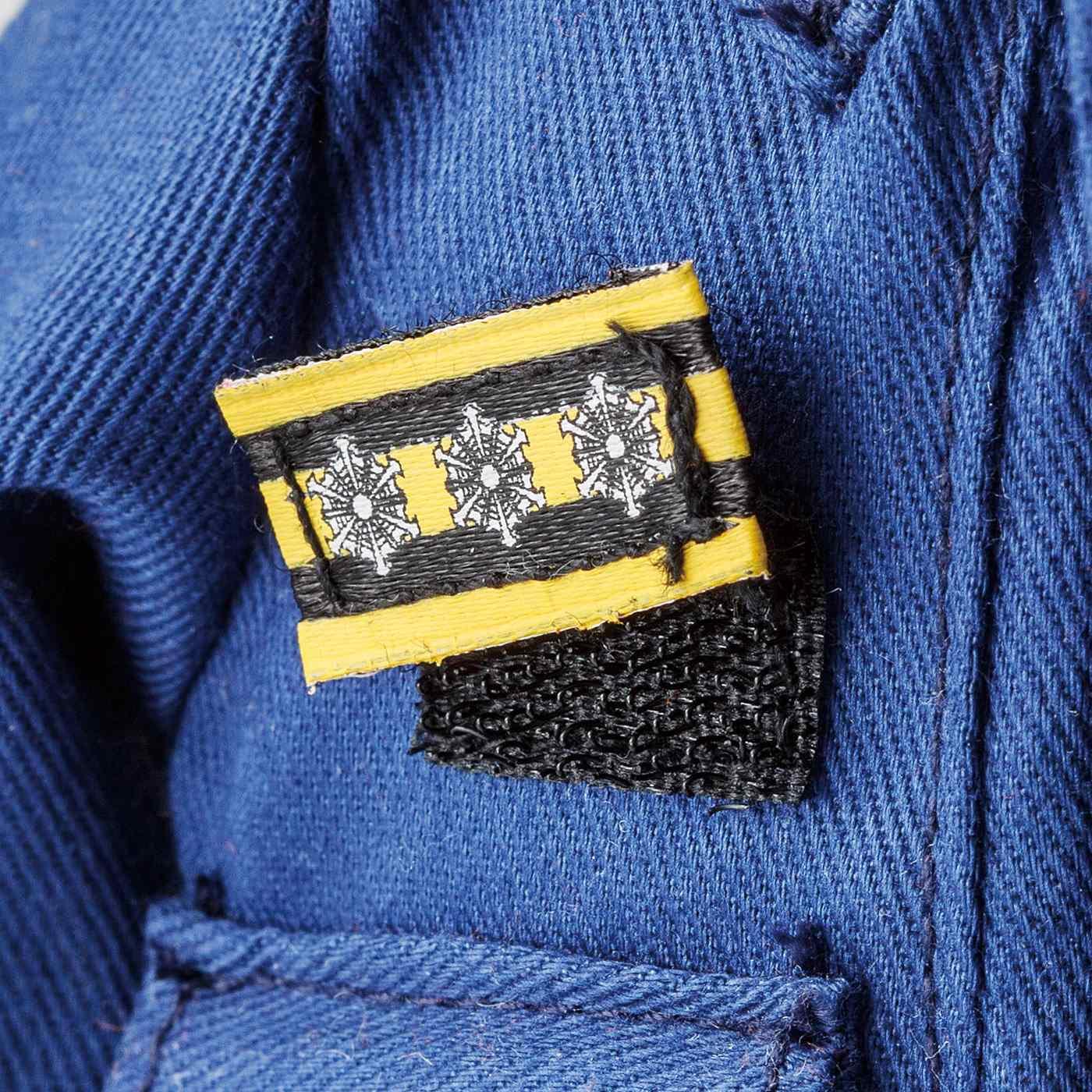 消防士階級章と名札は面テープ仕様。取り外しが可能です。