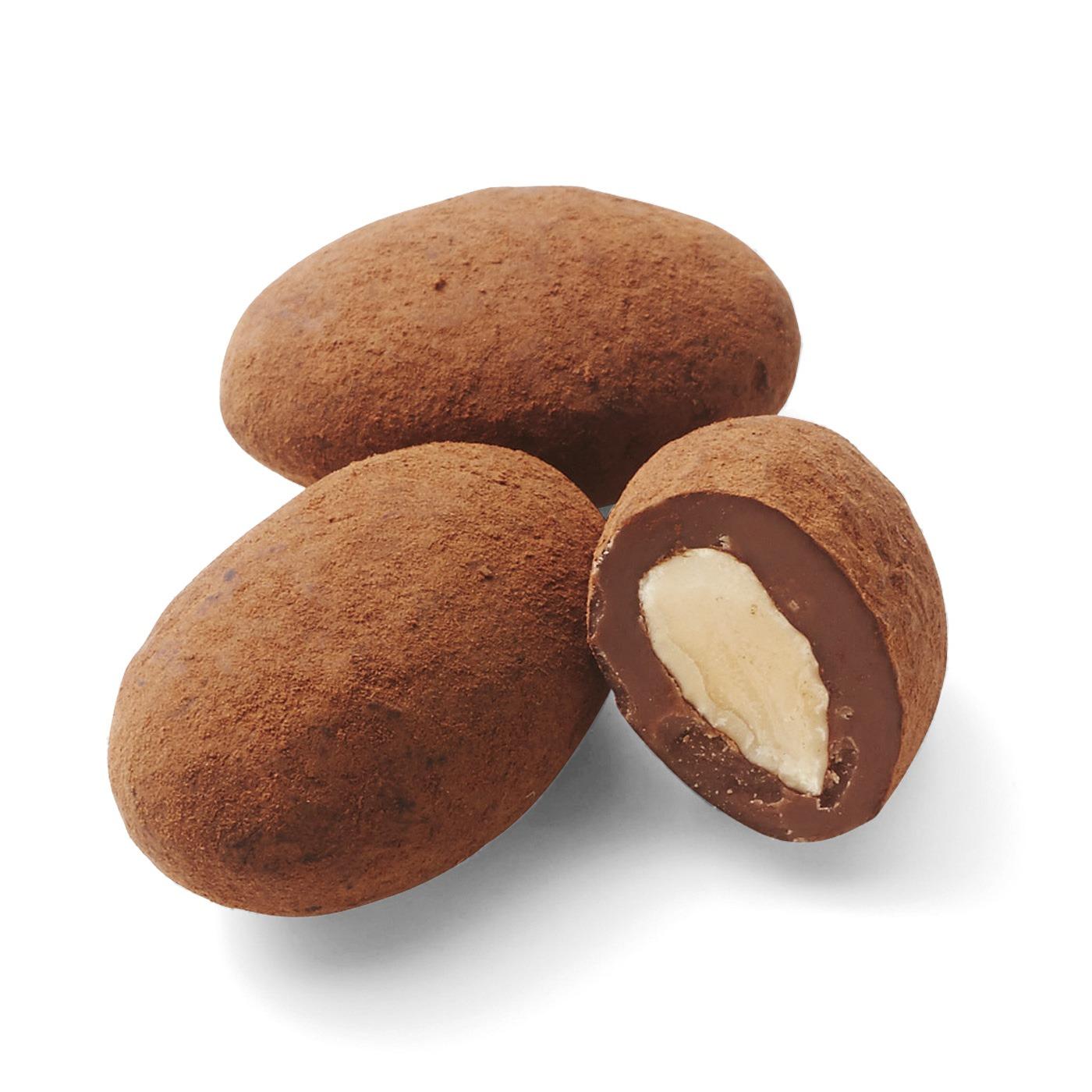 2 アーモンドトンカミルク: シチリア・アヴォラ産のアーモンドと、クリーミーなトンカ豆風味の最高級ミルクチョコの組み合わせ。