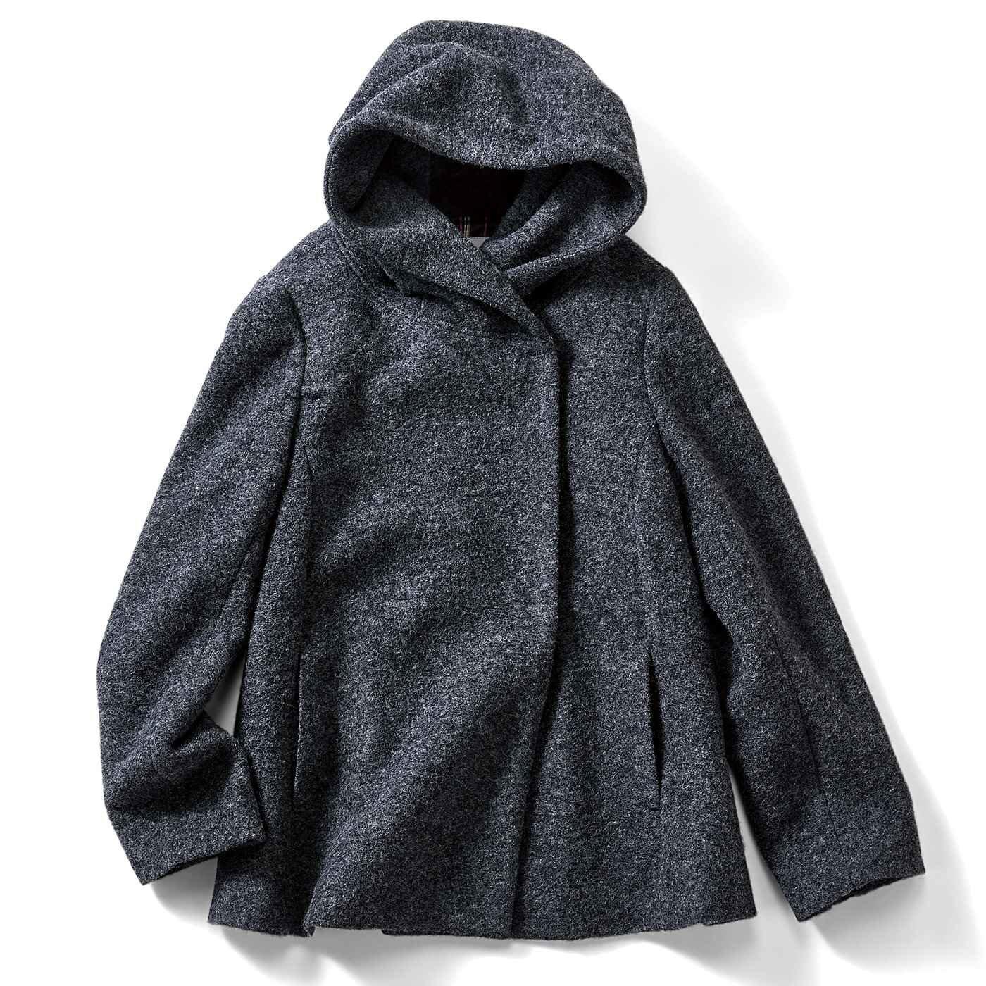 IEDIT スライバーニット素材で軽くて暖か どんなコーデにも合わせやすいショート丈フーデッドコート〈グレー〉
