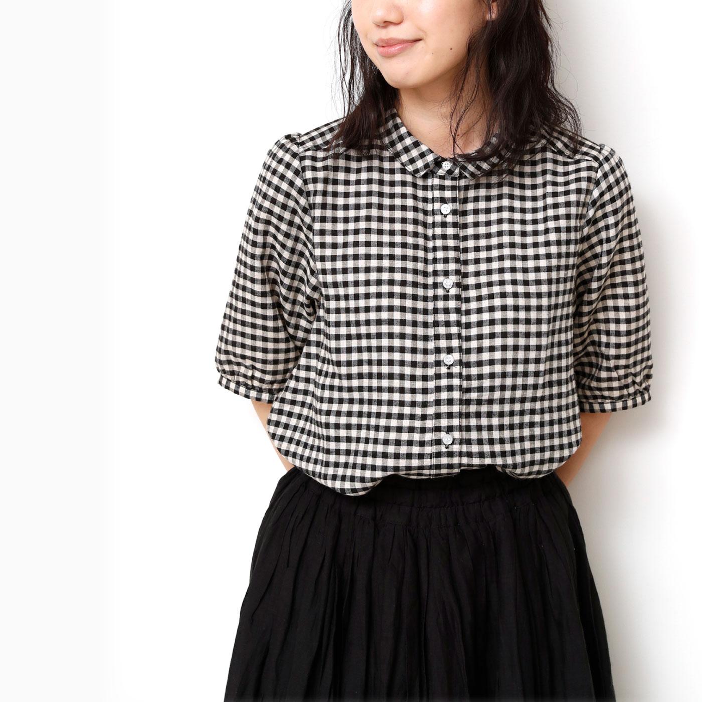 オーバークローズ 控えめ衿がかわいい 上品パフ袖のフレンチ気分なリネン混ブラウス
