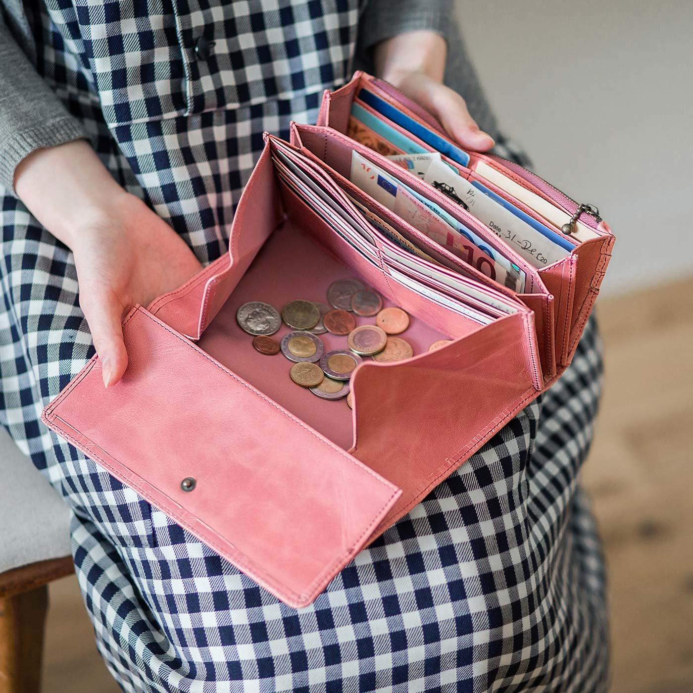 チョコレートバイヤーとコラボ! チョコ型押しで誂(あつら)えた 気配りいっぱい大人長財布〈ストロベリー〉[本革 財布:日本製]