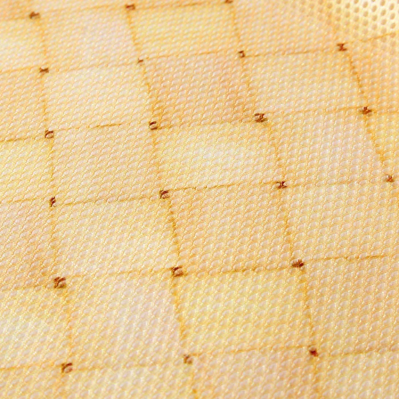 メッシュ素材にかごの柄をリアルプリントしています。