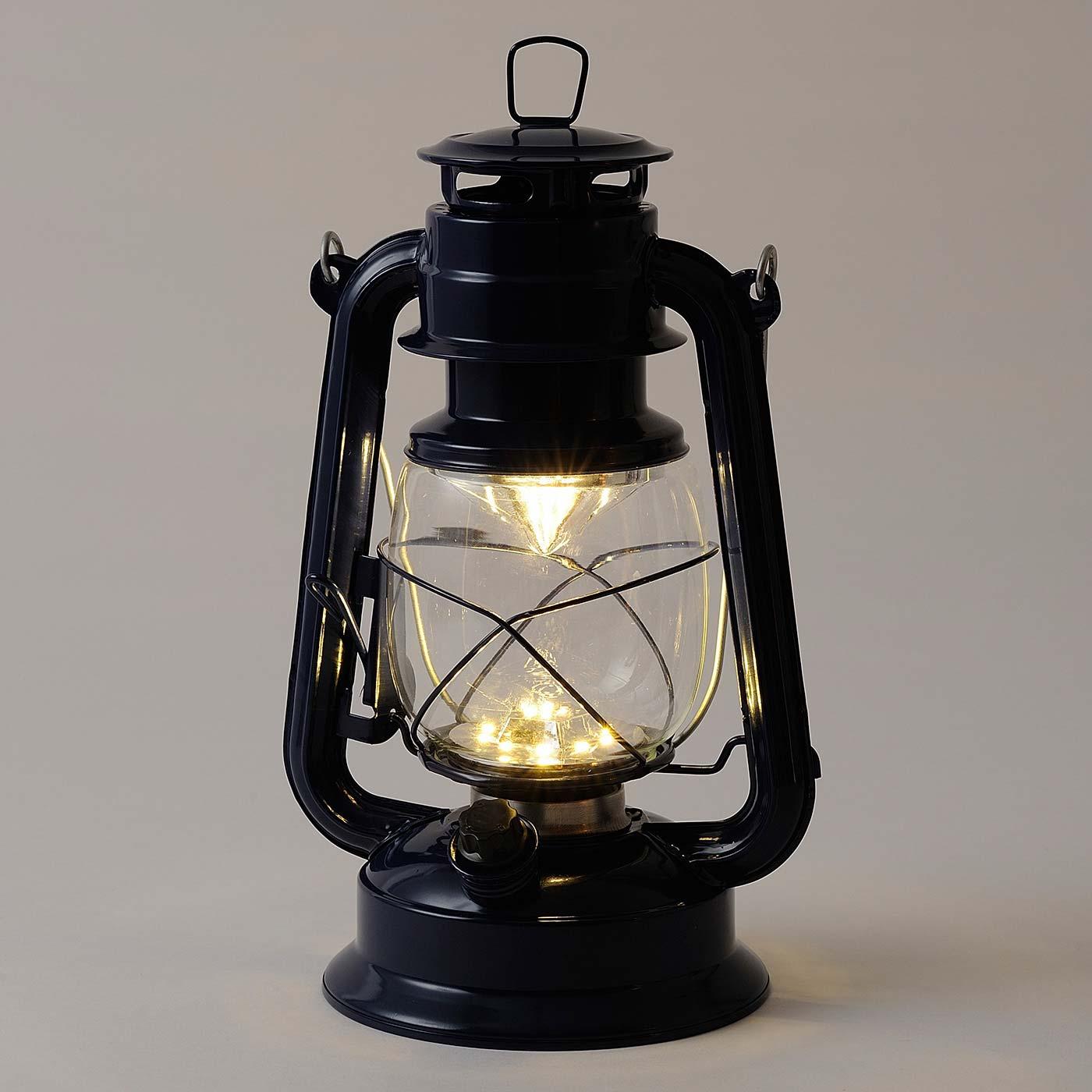 シーンによって、ダイヤルを回せばお好みの明るさに調節できます。 ※写真は〈ネイビー〉です。