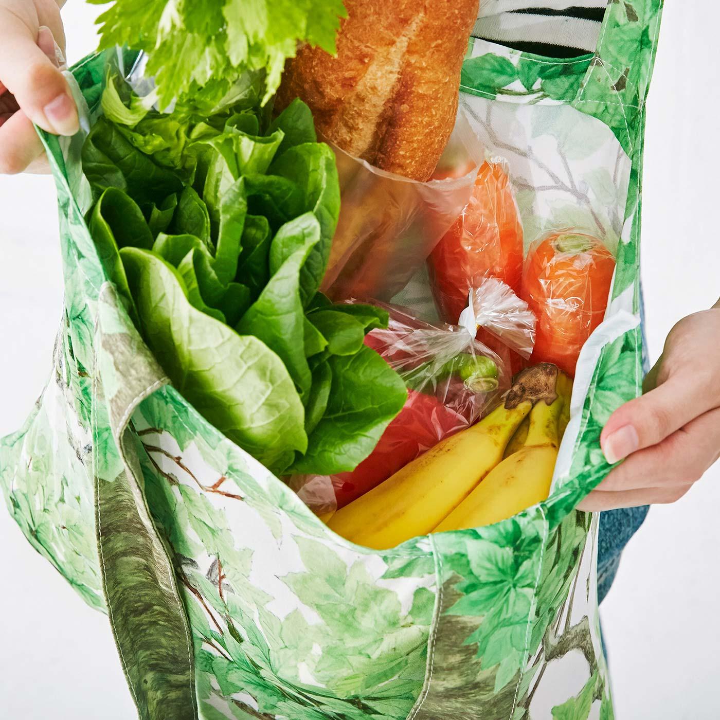 コンパクトに持ち運んで、買い物後のエコバッグとしても使えます!