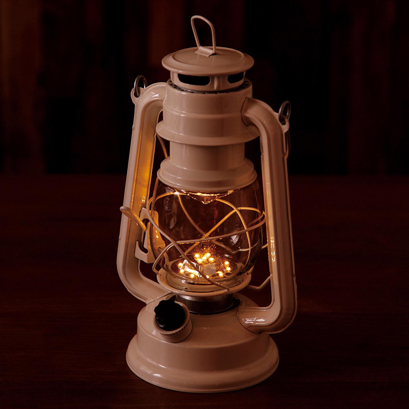 15灯のLEDを使用しており、ダイヤルを回してお好みの明るさに調整できます。 ※写真は別色です。
