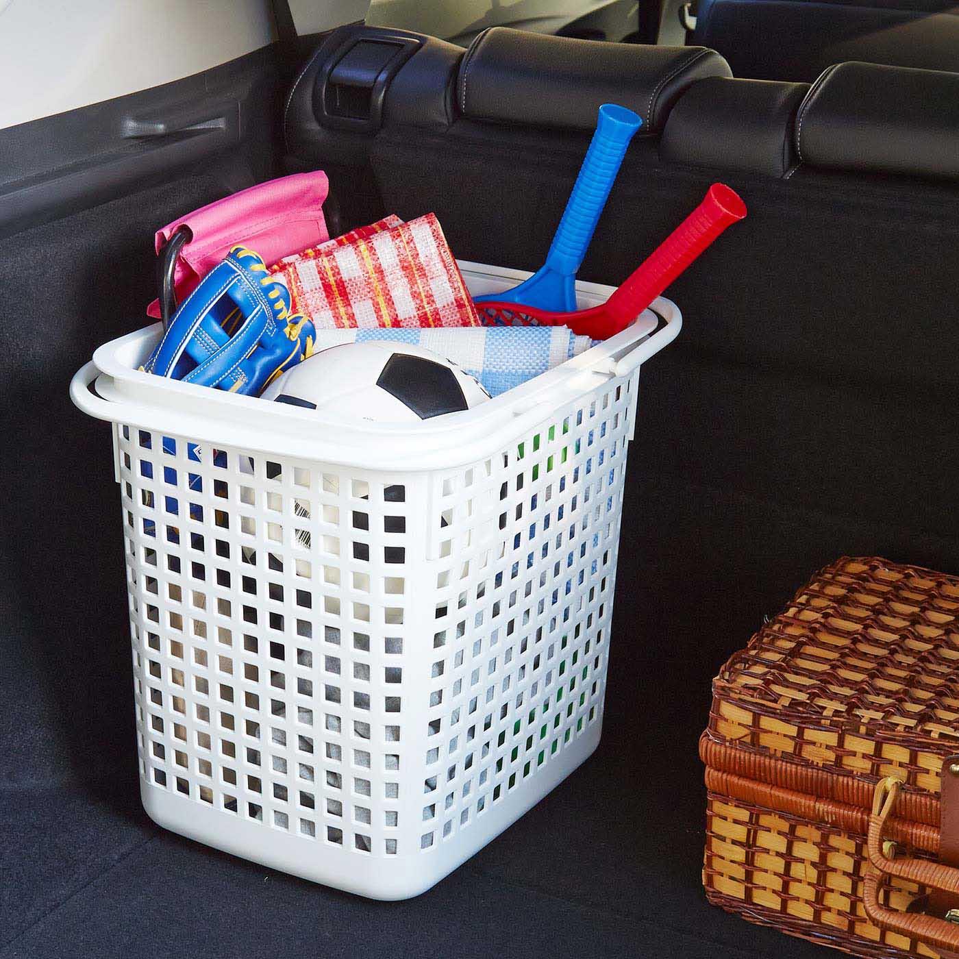 汚れても洗えるので、アウトドア用品の持ち運びにも便利。