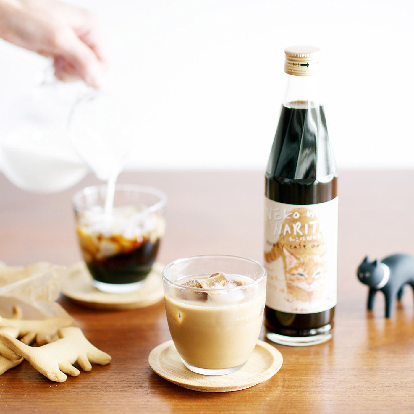 50mlのカフェオレベースに牛乳100mlを加えます。お好みで氷を入れても。