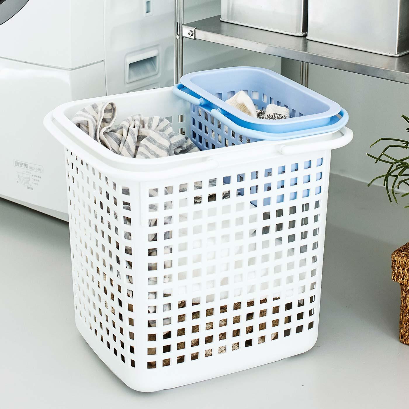 別売りの大きいサイズのバスケットと一緒に分別用の洗濯バスケットにも。