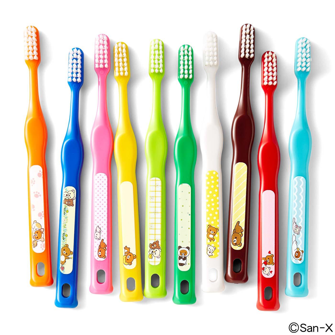 小さな歯も磨きやすいスリム&コンパクトヘッド。子どもにも持ちやすいハンドル。