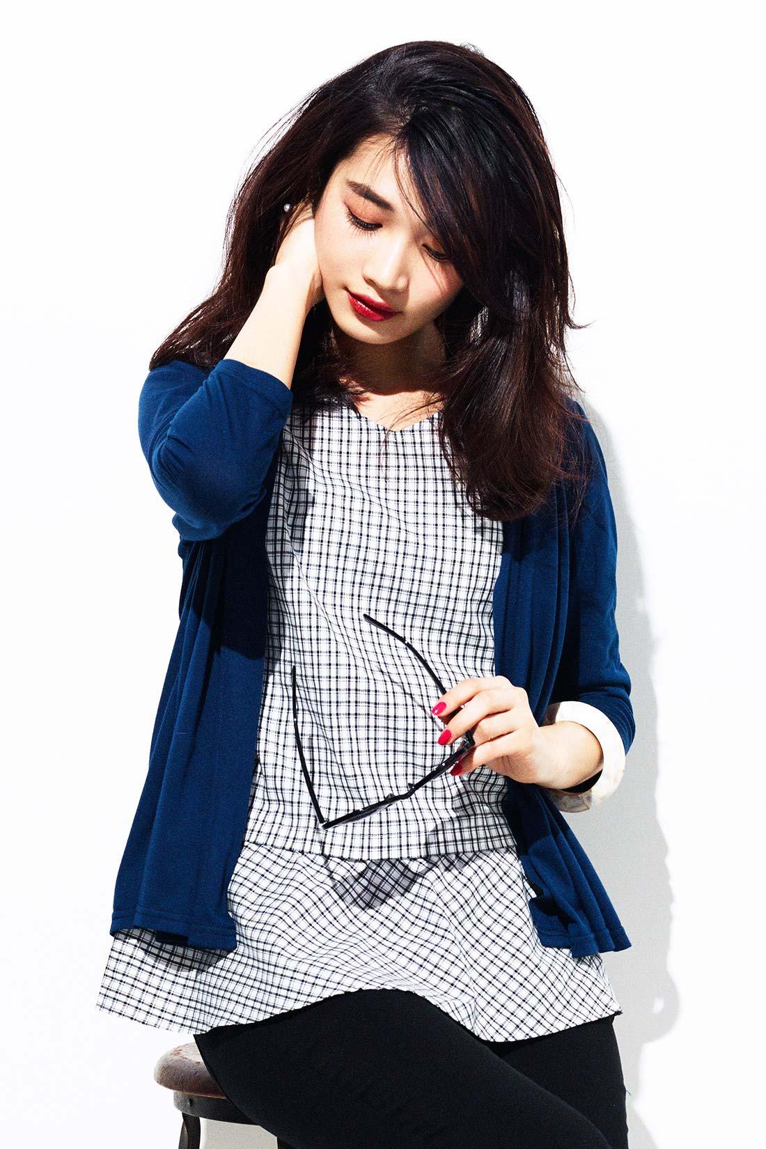 華やぎと体形カバーをかなえるセットだから、シンプルなボトムスに合わせるだけで、美人コーデが完成! ※着用イメージです。お届けするカラーとは異なります。