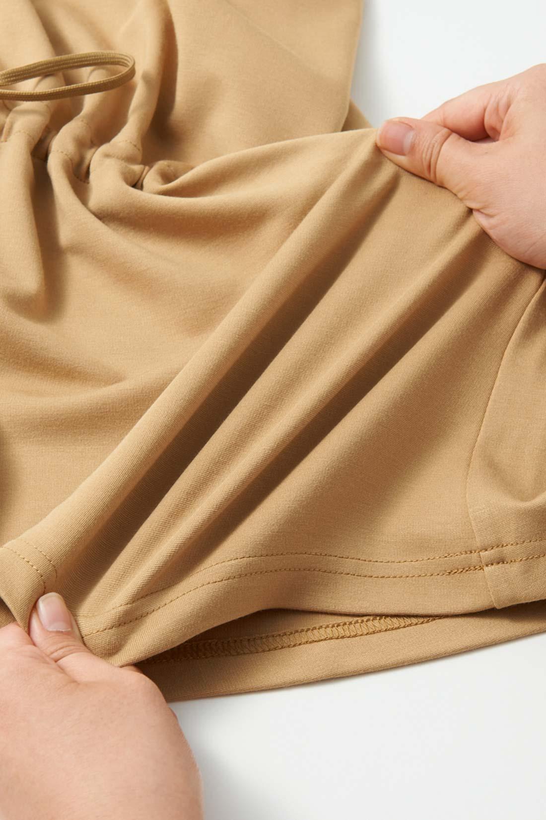 伸びやかなベアポンチだから、着心地がらくちんなのはもちろん、型くずれしにくいのも魅力。