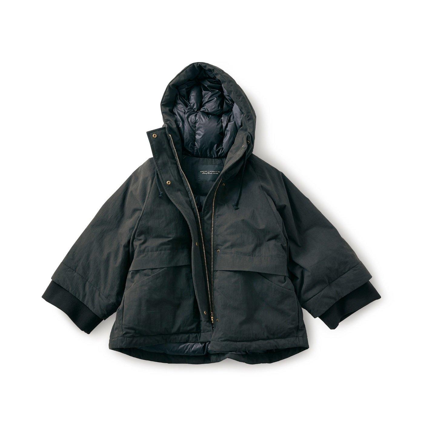 SUNNY CLOUDS テントシルエットのダウンジャケット〈レディース〉黒