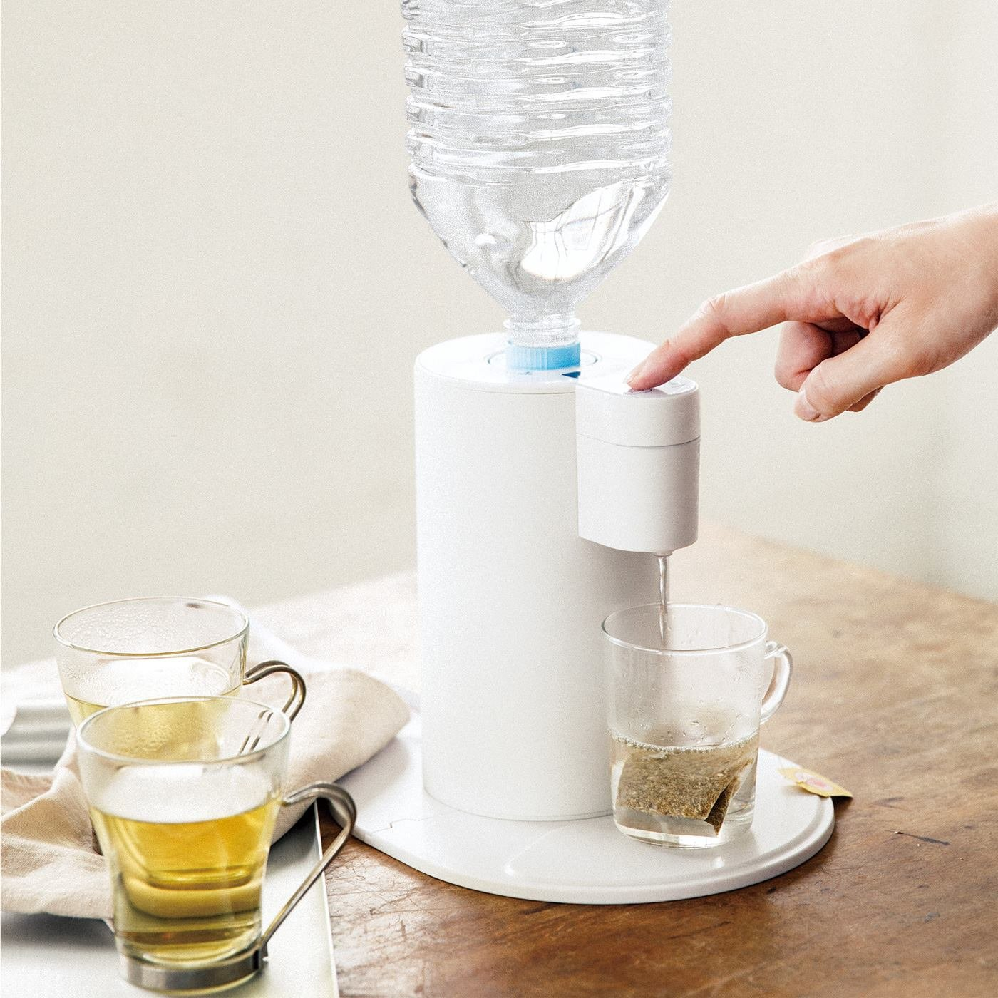ペットボトルをさすだけ 2秒でお湯が出る卓上ホットウォーターサーバー
