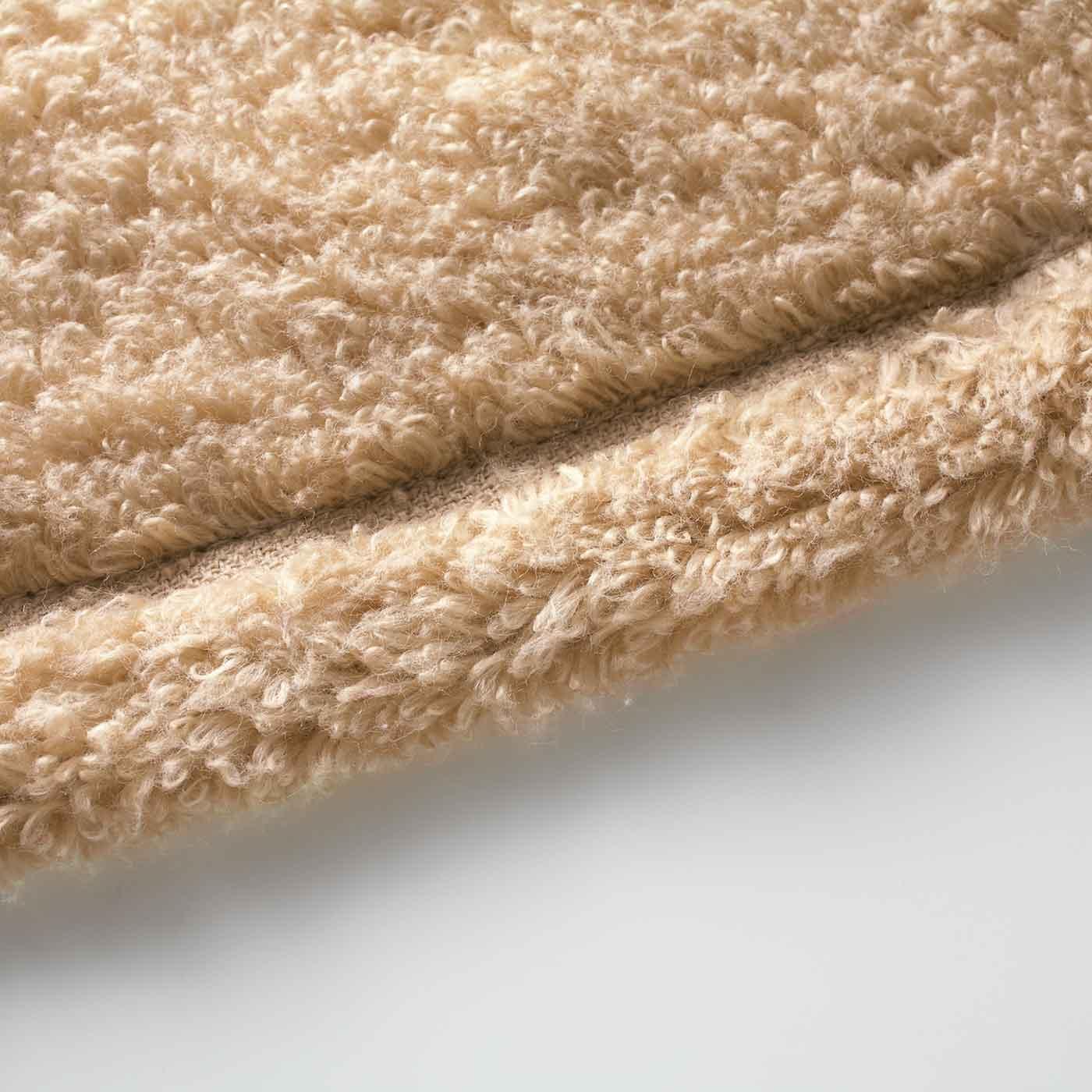 端までとってもやわらか。あえて刺しゅうや織りネームを付けずに細部まで使い心地にこだわりました。