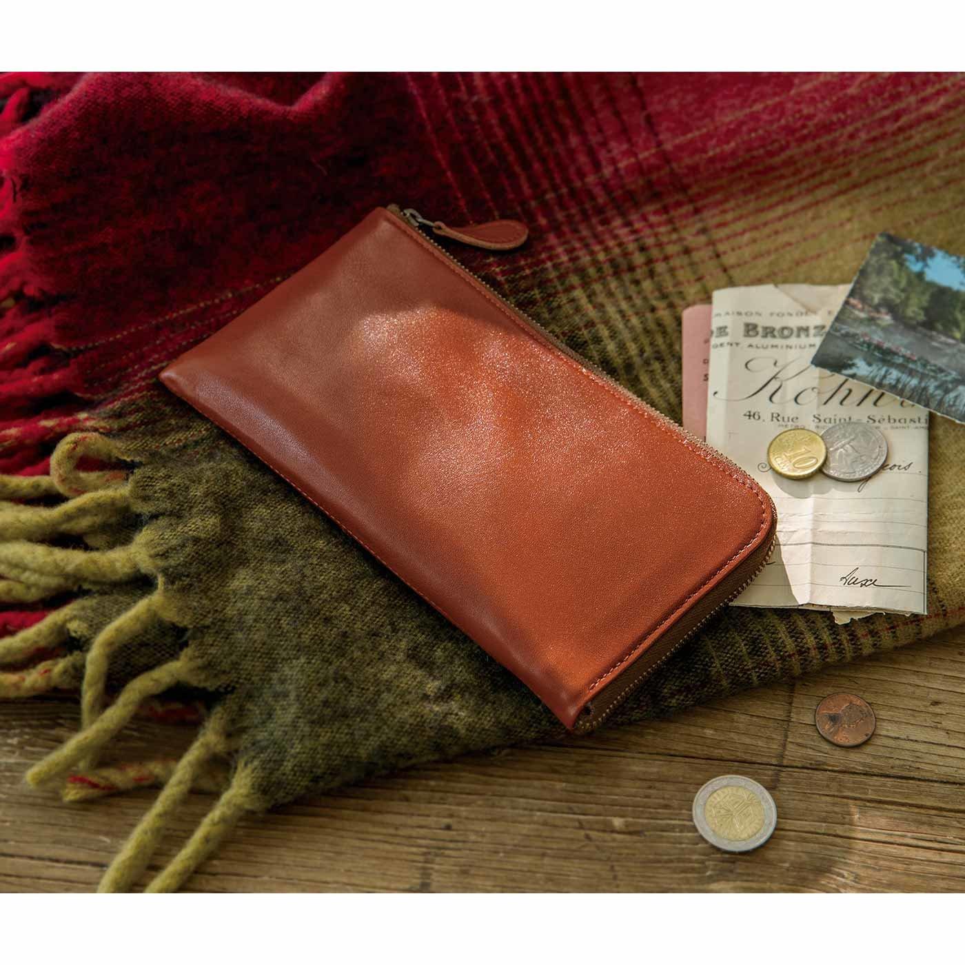 サニークラウズの生地で誂(あつら)えた すっきり薄型本革スマート長財布〈ブラウン〉[本革 財布:日本製]