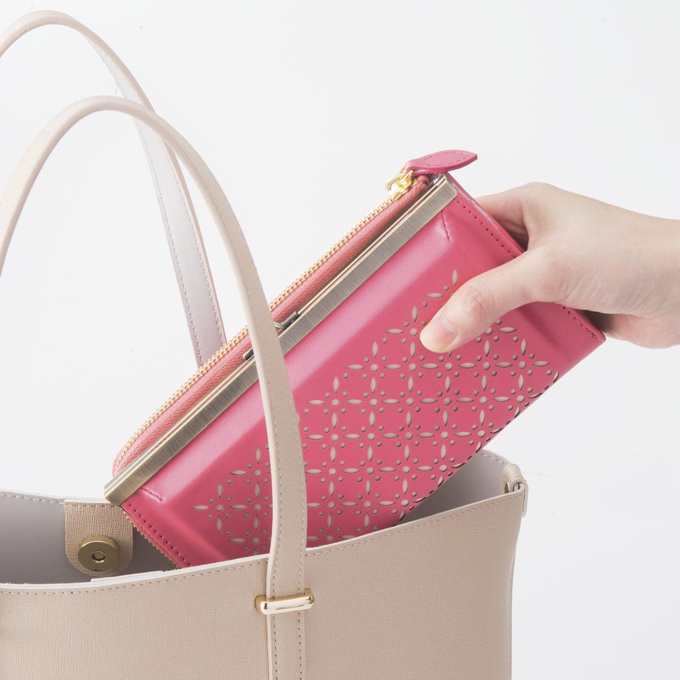 クラッチバッグみたいな上品なデザイン。