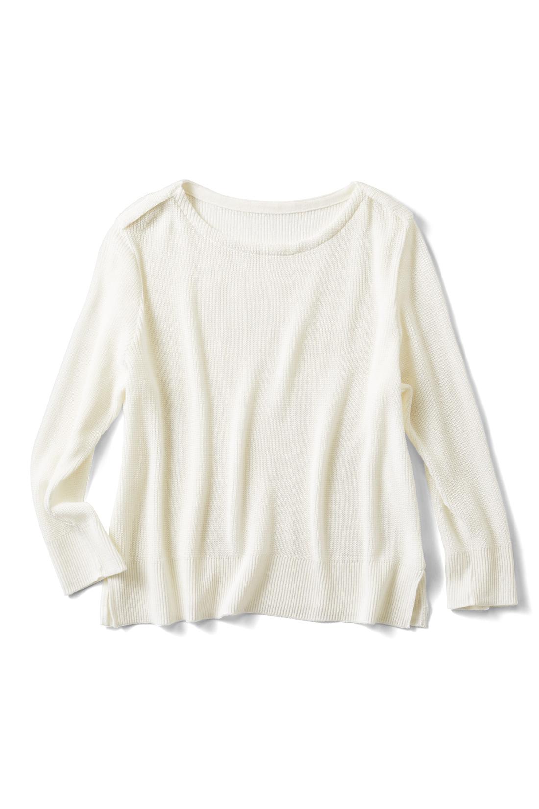 [オフホワイト]肩のデザインにご注目ください。七分袖だよ。