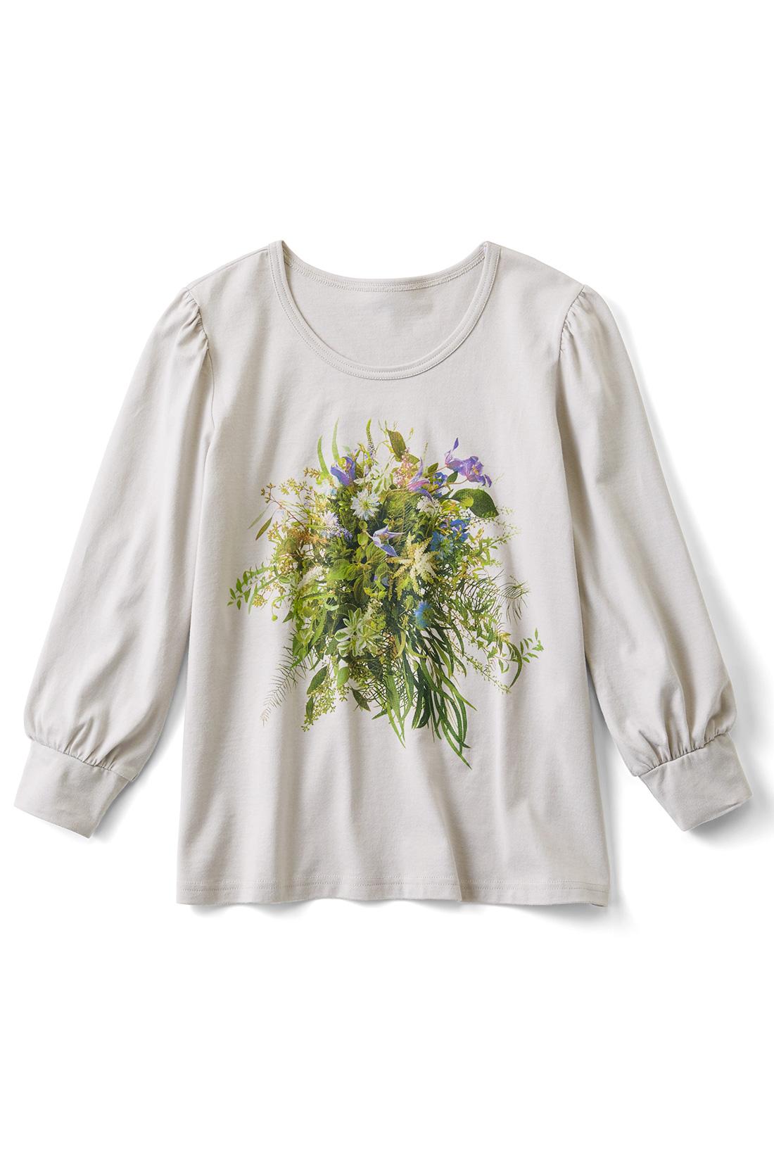 [ライトグレー]手を添えれば花束を持っているみたい。袖はギャザーでぷっくりかわいい。