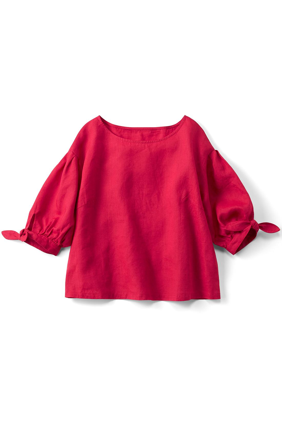 [チェリー]少し短め丈&身幅広めのゆるシルエット。袖のリボンが、ほんのりガーリー。