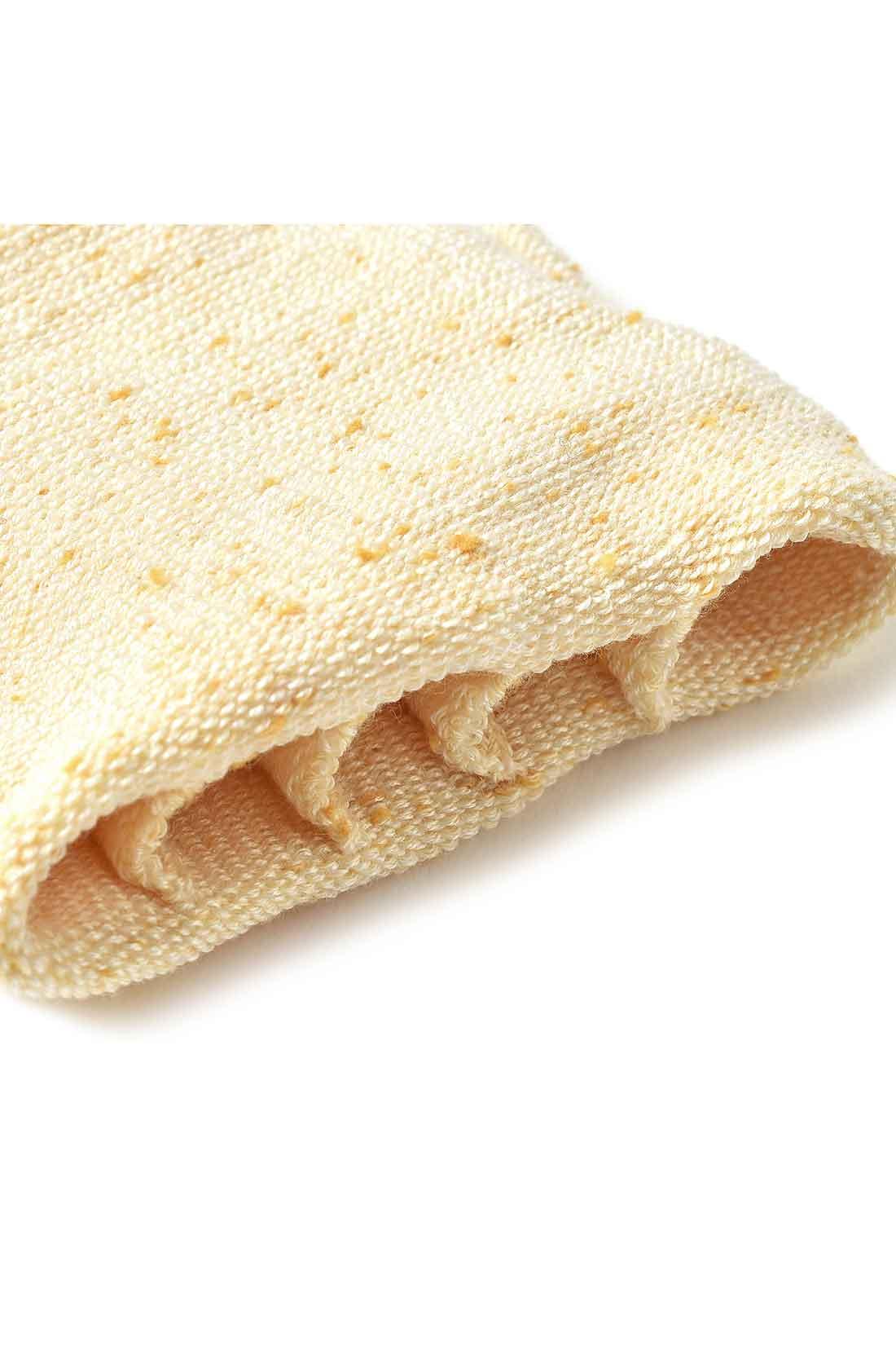 肌面 内側は足指が分かれる5本指仕様で快適なはき心地。