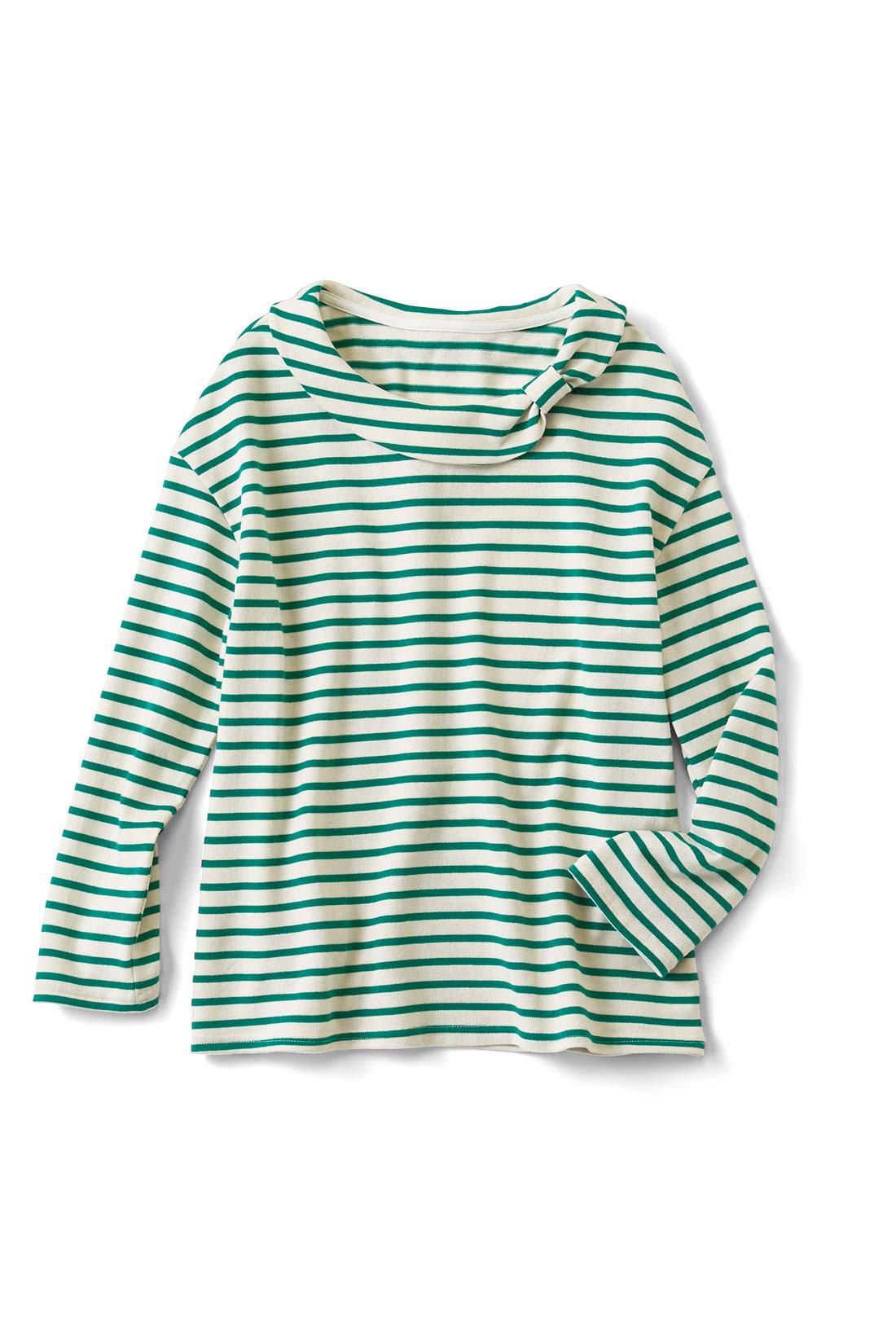[キナリ×グリーン]衿もとはさりげなくリボン。七分袖がお気に入り。