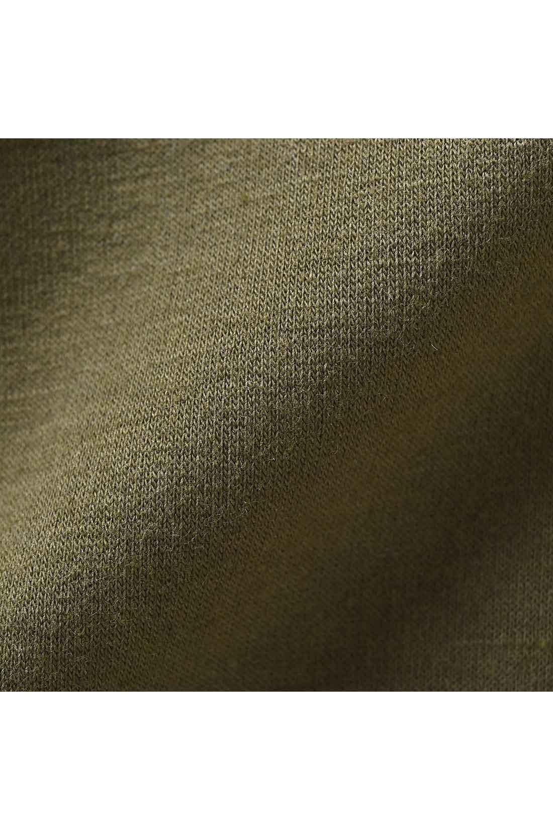 動きやすいミニ裏毛のスウェット素材。
