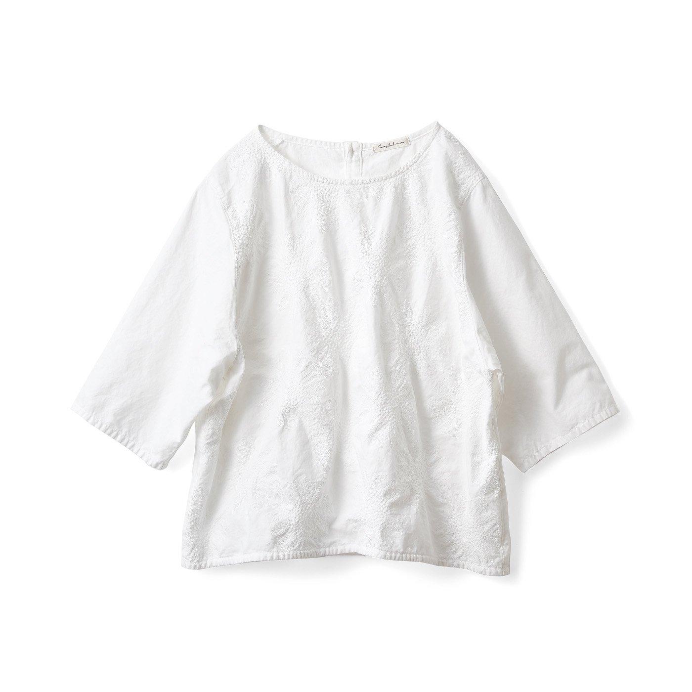 サニークラウズ 白いひまわり刺しゅうトップス〈レディース〉