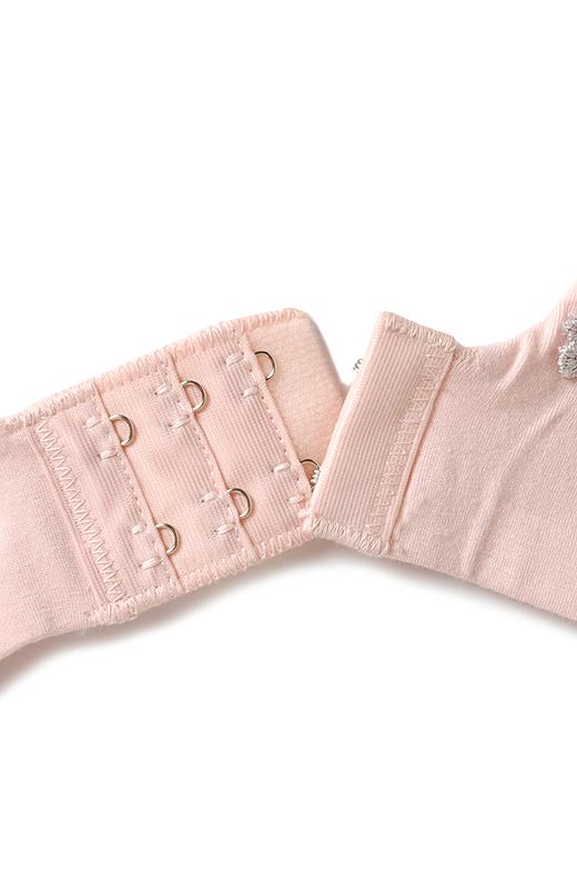 肌に当たる身生地は、綿・レーヨン素材。しなやかなレーヨンの糸を加えることでとろんとした肌ざわりに。