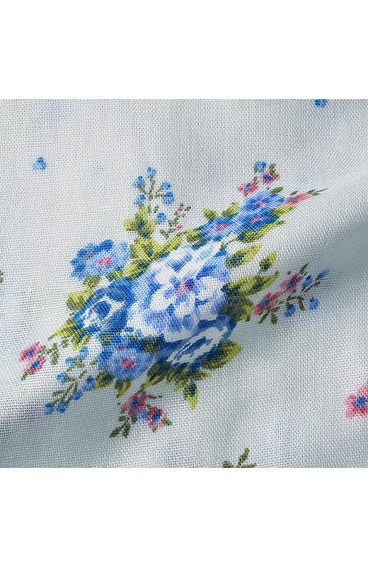 ふわさらな肌ざわりが心地よい綿100%のダブルガーゼ素材に、ノスタルジックな花柄をプリント。