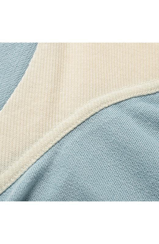 肌にペタッとはりつかない、立体感のある綿混梨地の身生地素材と、のびのよい綿混のリブ素材の組み合わせ。