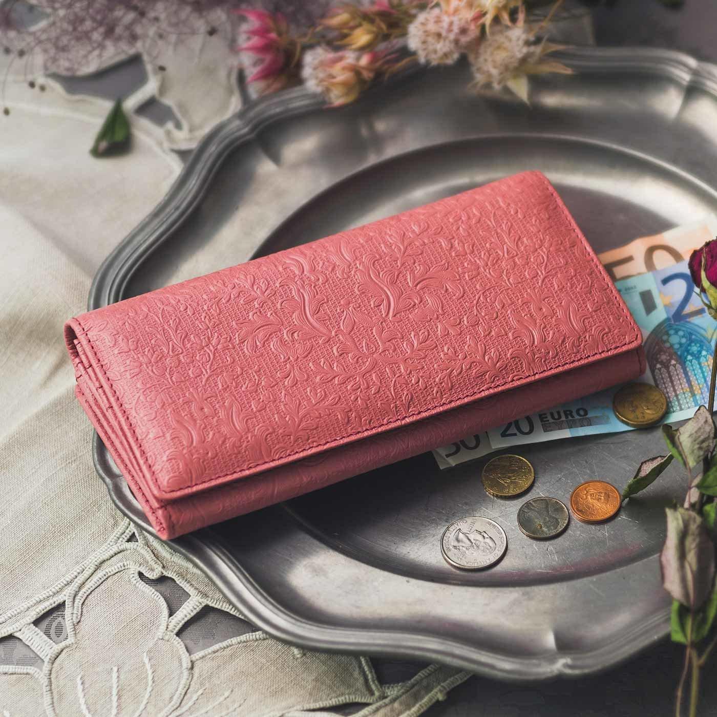 職人が誂えた つた柄型押し本革長財布〈苺色〉[本革 財布:日本製]