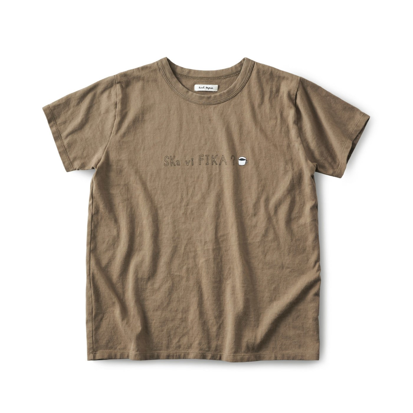 and myera ロゴTシャツ〈カフェオレ〉