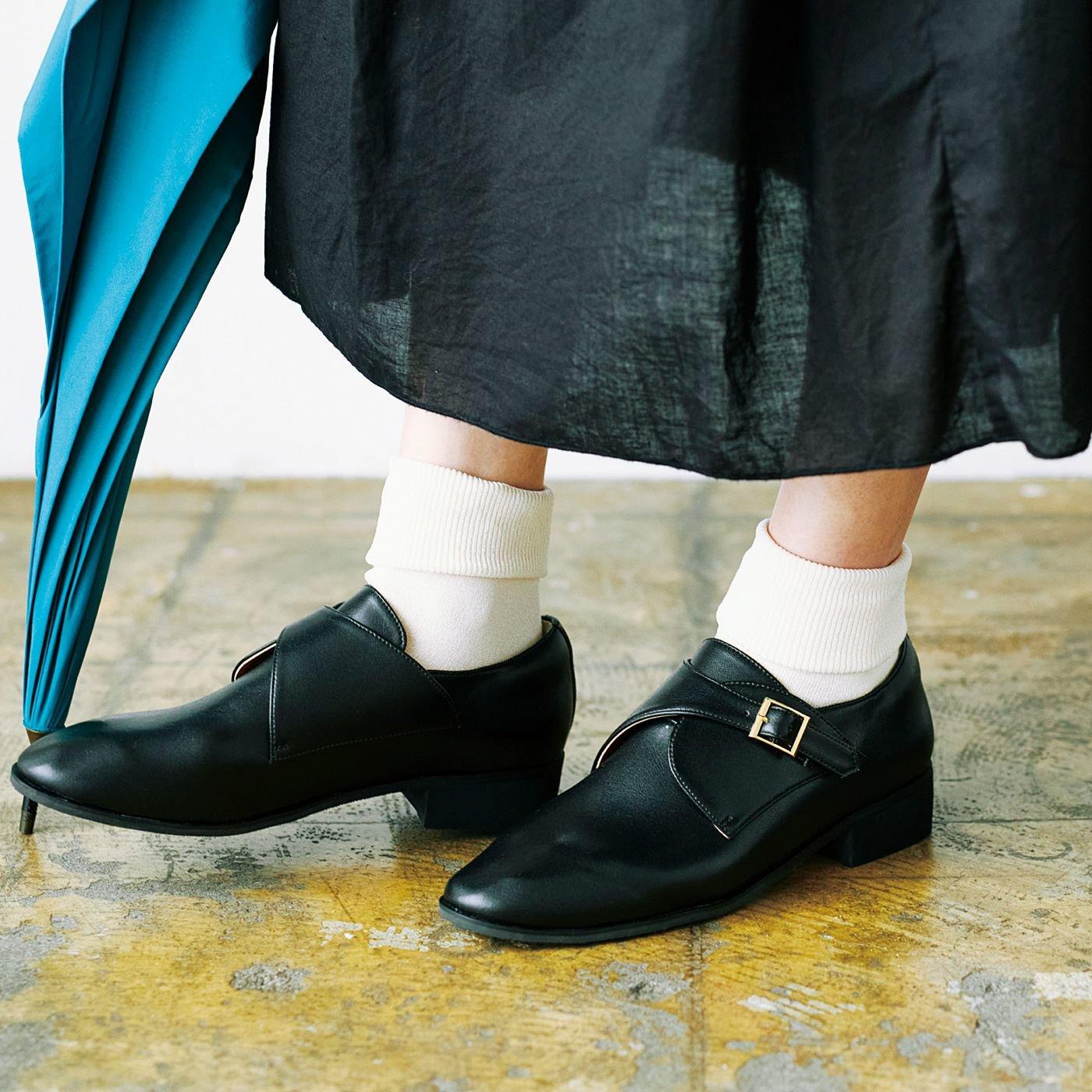 el:ment 晴雨兼用 雨をはじいて、湿気をにがす ゴムで履きやすい モンクストラップシューズ〈マイクロフレッシュ素材使用〉