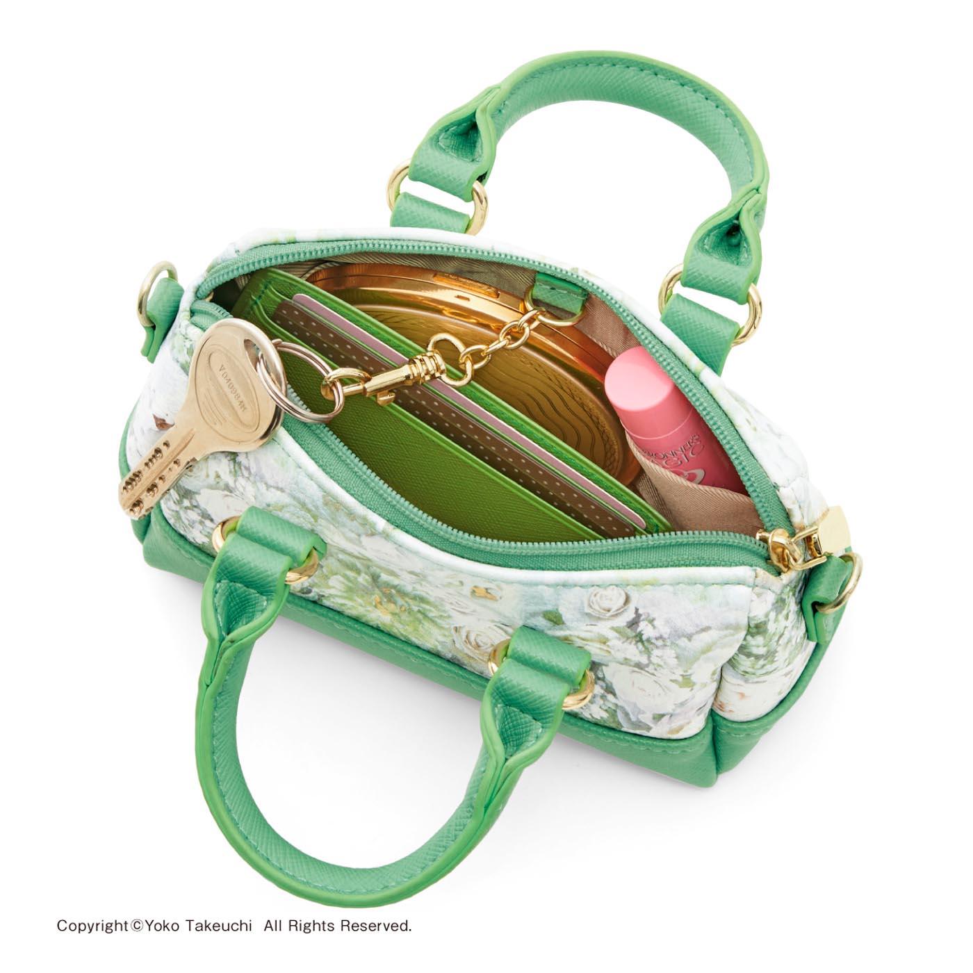 〈ライラックホワイト〉 内ポケット1個&キーチェーン1個付き。リップクリームや手鏡、カードケースなどを入れるのにぴったり(鍵、リップクリーム、手鏡、カードケースは商品に含まれません)