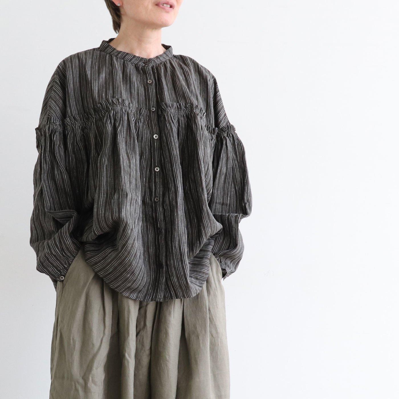 ubasoku リネン素材の胸切り替え長袖ブラウス