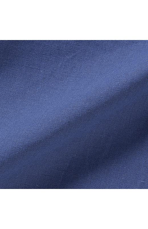 肌ざわりのよい綿麻素材ときれいな発色でヴィヴィッドな着こなしに。