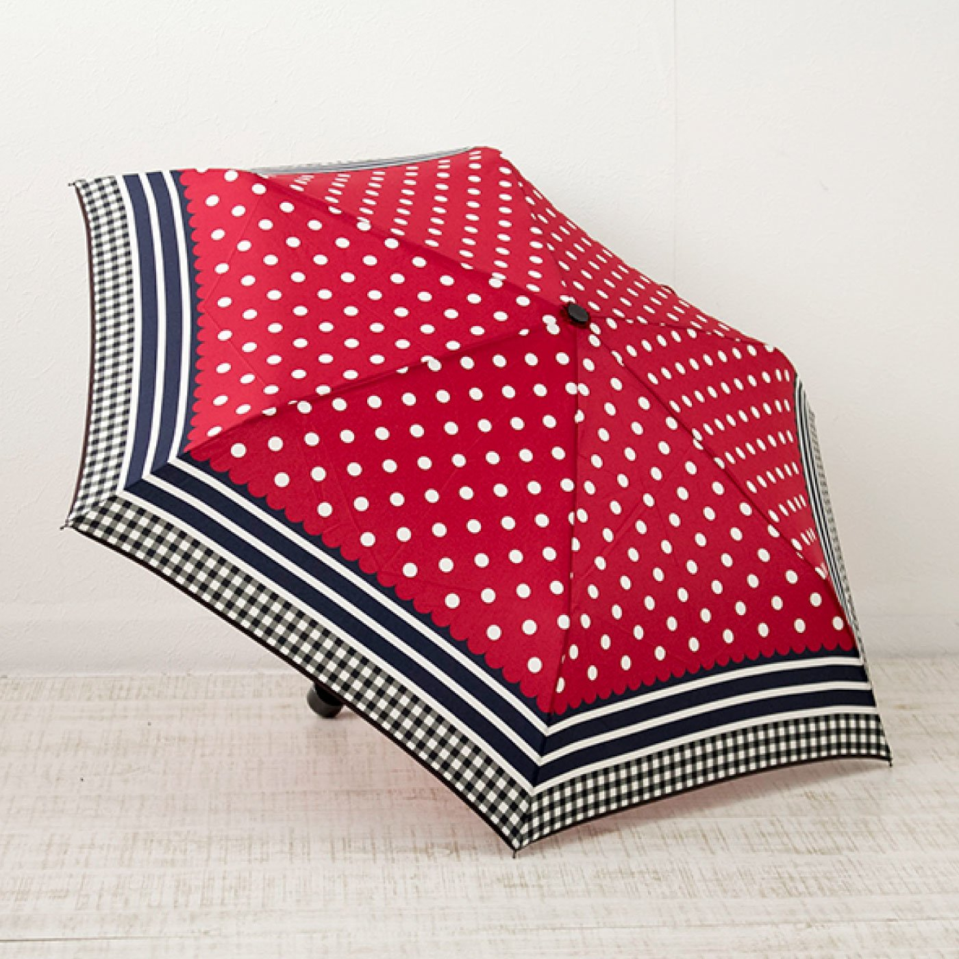 柄合わせが楽しい ドットボーダー柄折りたたみ雨傘