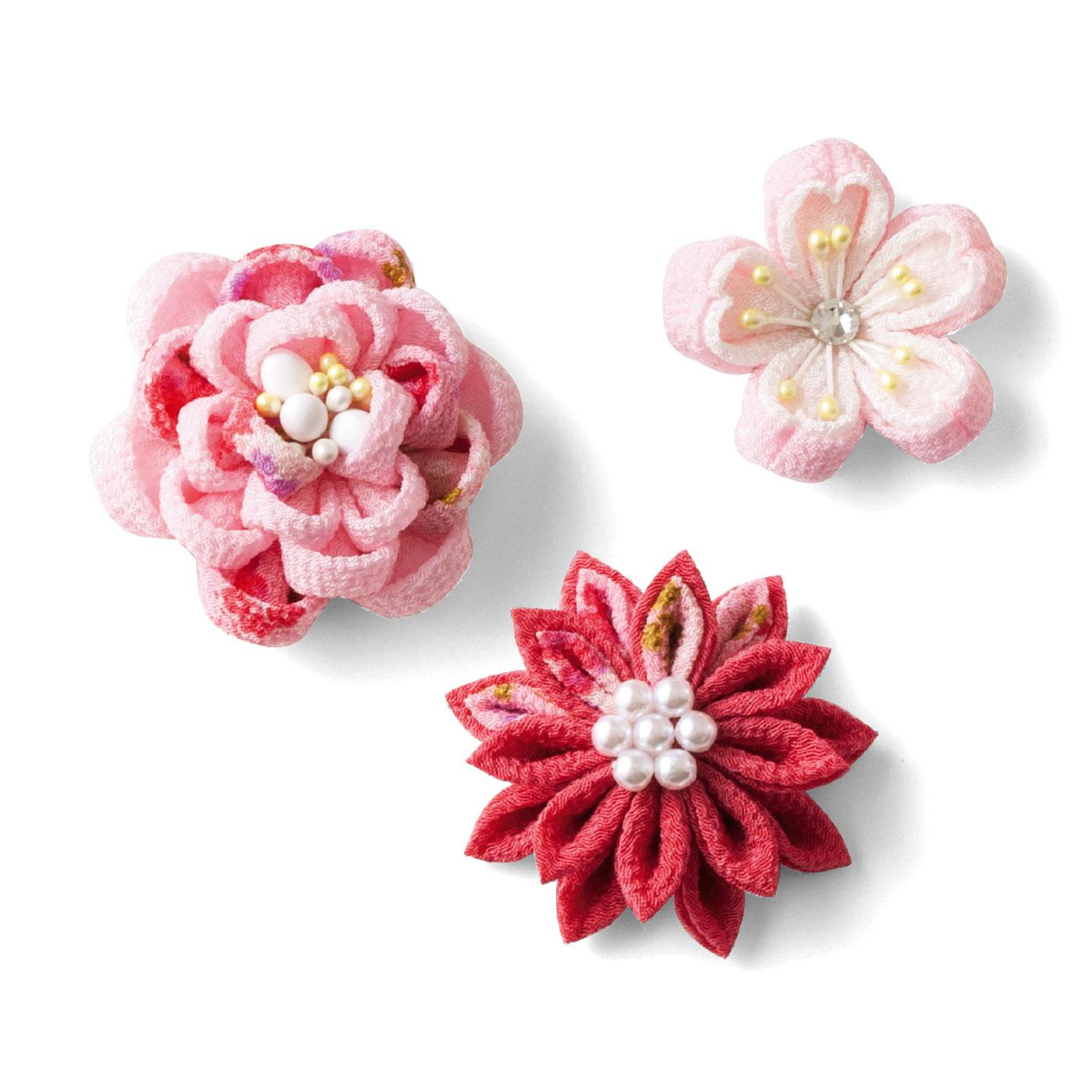 牡丹や菊、桜など着物の柄によく用いられる花を選びました。