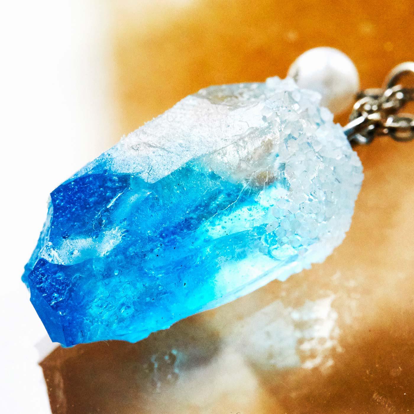 色のグラデーションや質感まで、本物の鉱物みたい。
