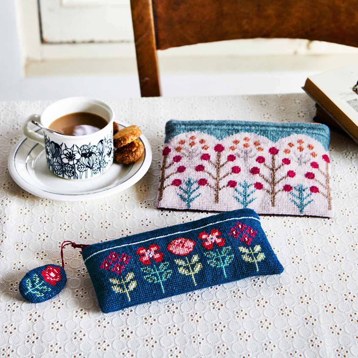 北欧の花と実を描く テキスタイルみたいなニードルポイントポーチの会