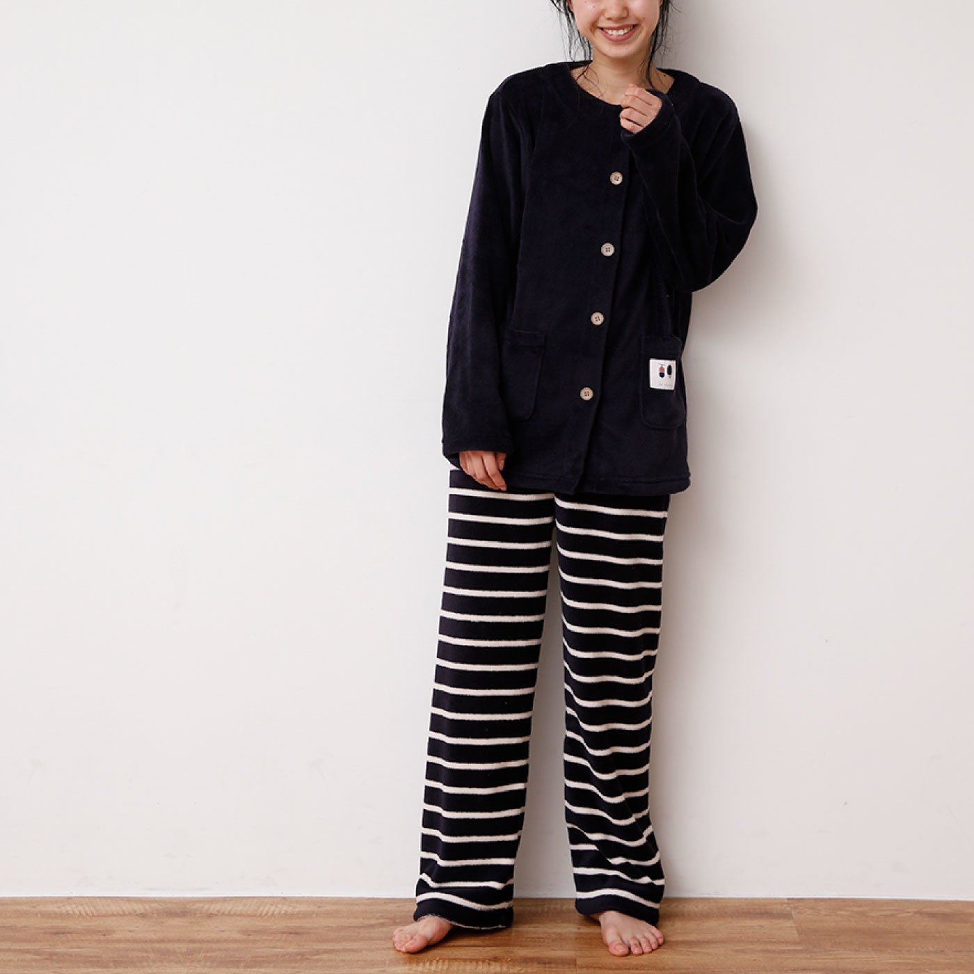 ルームウェアにもなる ノーカラー&ボーダーパンツパジャマ