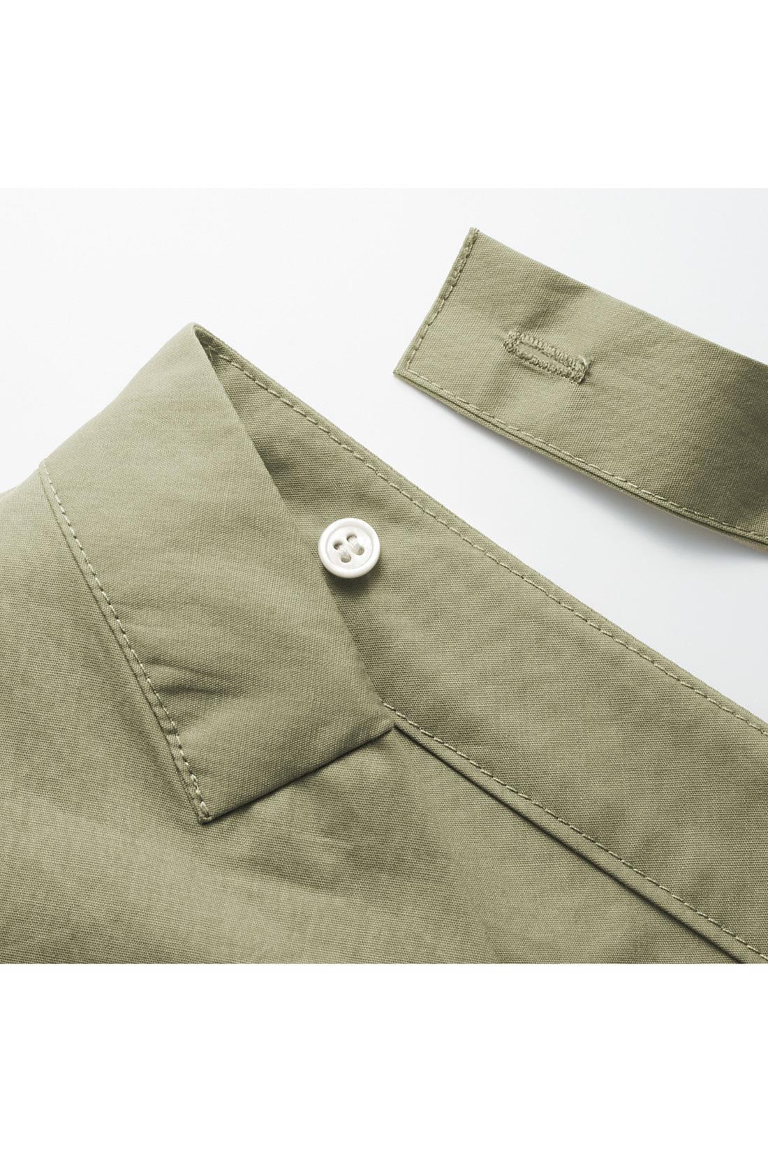 背中のリボンは取り外せるボタン仕様。アウターを着るときもジャマになりません。※お届けするカラーとは異なります。