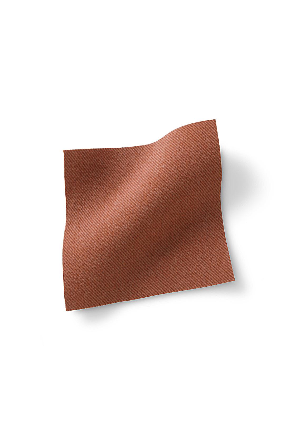 やや光沢感を持つ、艶とろ素材。※お届けするカラーとは異なります。