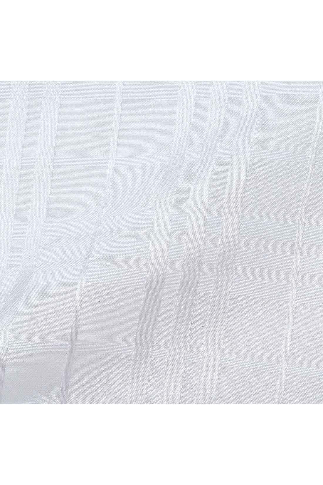 透け感のあるチェック柄の布はく素材。